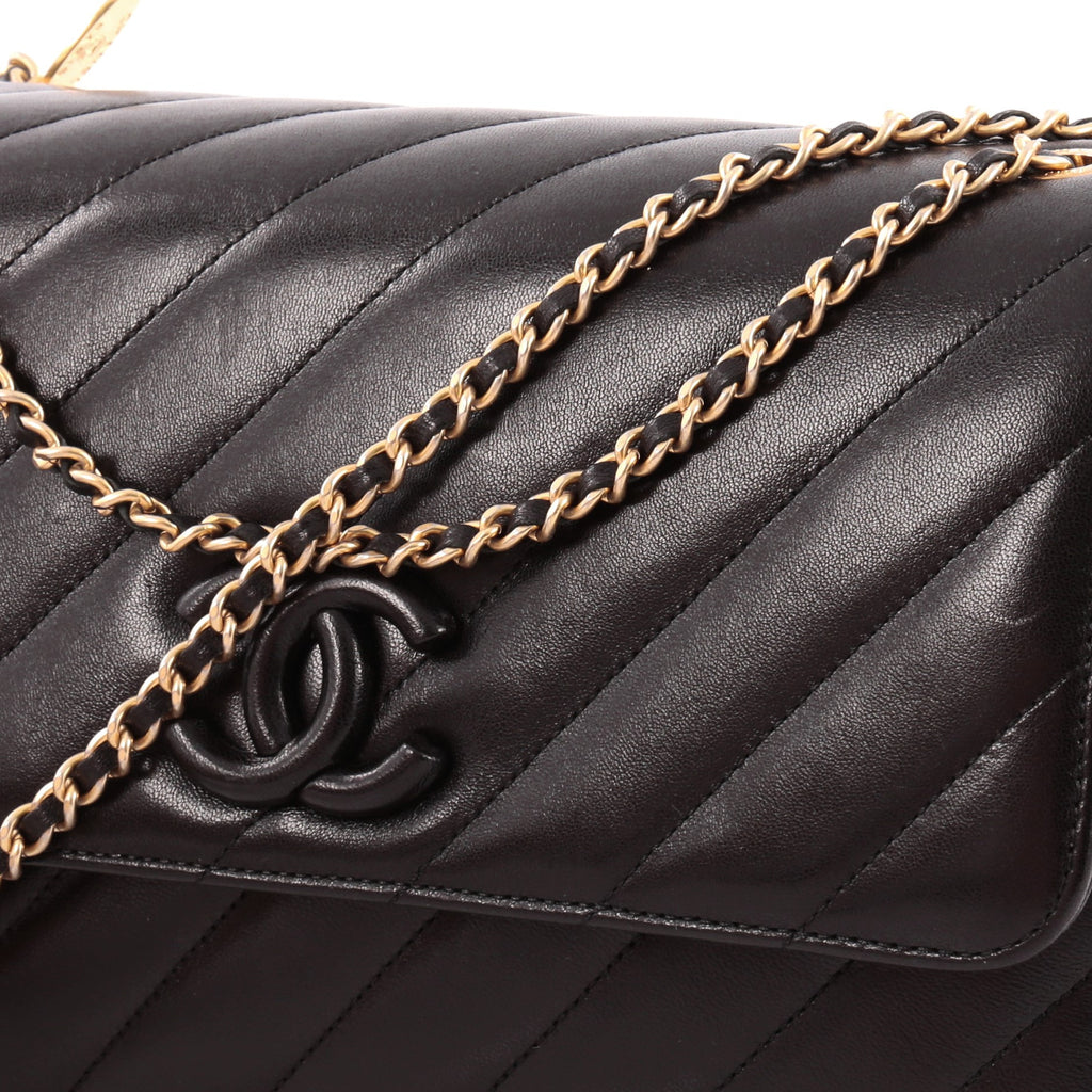 81df05a40397 Buy Chanel CC Signature Flap Bag Diagonal Quilted Leather 1163901 ...