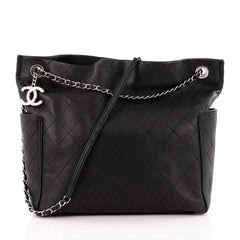 Chanel CC Pocket Tote Quilted Caviar Medium