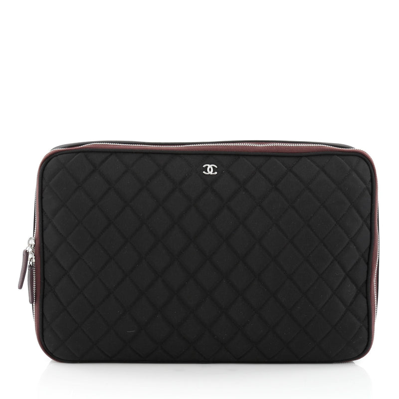 38d293a67e21 Buy Chanel Laptop Sleeve Quilted Nylon Black 1507101 – Rebag