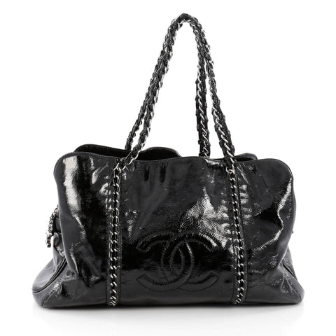 5030e8bc4766 Buy Chanel Luxe Ligne Zipped Tote Patent Large Black 1545701 – Rebag