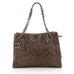 Chanel Chic Shopping Tote Quilted Caviar Large brown