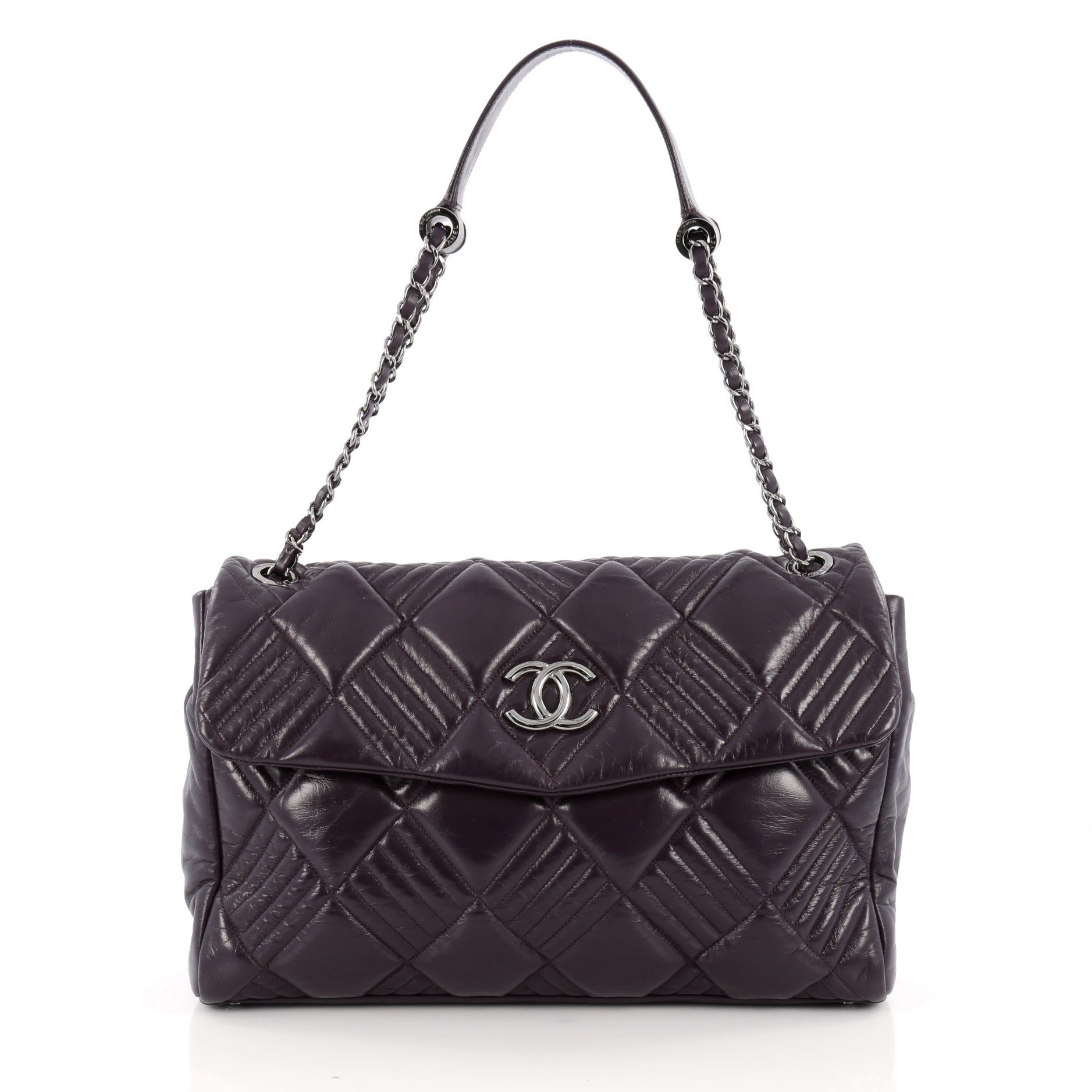 b8ed3c84bb62 17036-02_Chanel_In_and_Out_Flap_Bag_Quilted_Lambsk_2D_0003.jpg?v=1524265797