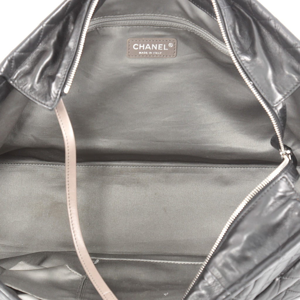 9a5351cd9133 Buy Chanel Sharpei Tote Quilted Lambskin East West Black 2083104 – Rebag