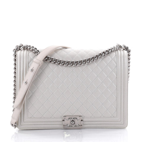 f7ee9b1ac0a756 Buy Chanel Boy Flap Bag Quilted Calfskin Large White 2470303 – Rebag