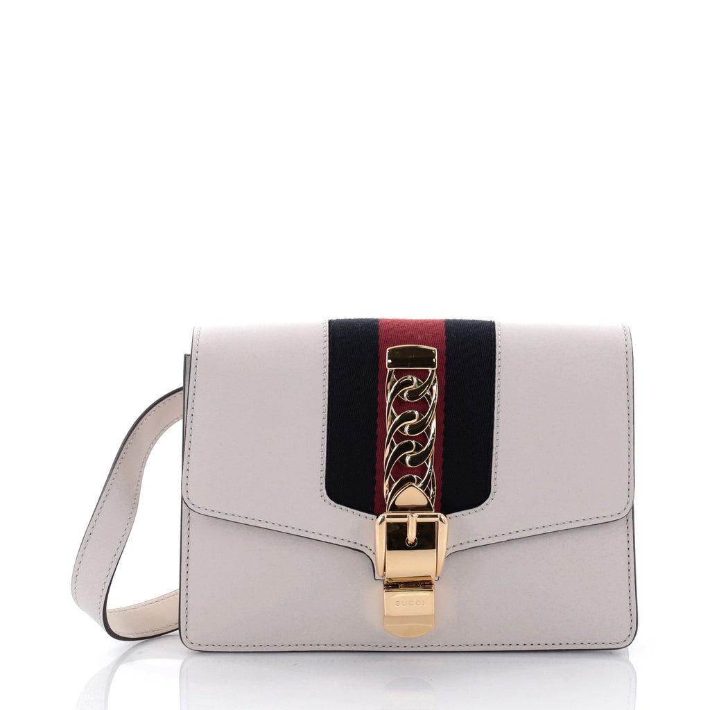 d91f4eec654 Every single detail of the Sylvie bag is eye-catching