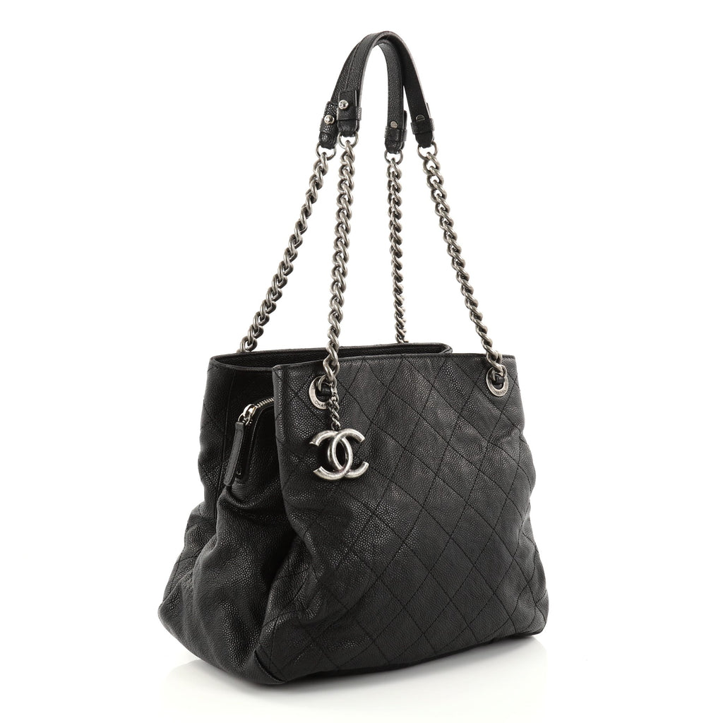 Buy Chanel Simply CC Tote Quilted Caviar Small Black 2760701 – Rebag f024ef6fe1d39