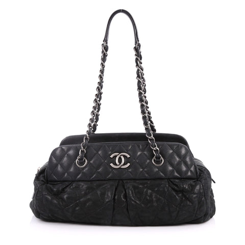 e88d51fa41a5 Buy Chanel Chic Quilt Bowling Bag Quilted Calfskin Medium 2781201 – Rebag
