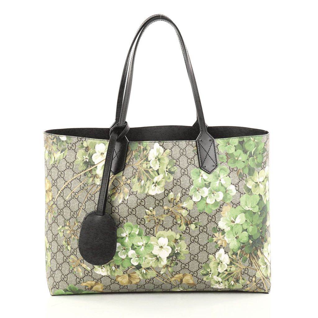 d6aafbfd5 Buy Gucci Reversible Tote Blooms GG Print Leather Medium 2810702 – Rebag