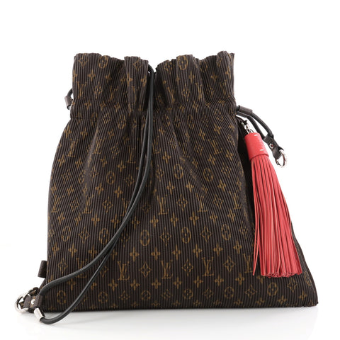 269b52afb4546 Buy Louis Vuitton Explorer Shoulder Bag Pleated Monogram 2982902 – Rebag