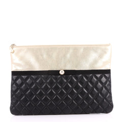 Chanel Pearl O Case Clutch Quilted Lambskin and Calfskin Large 3160902