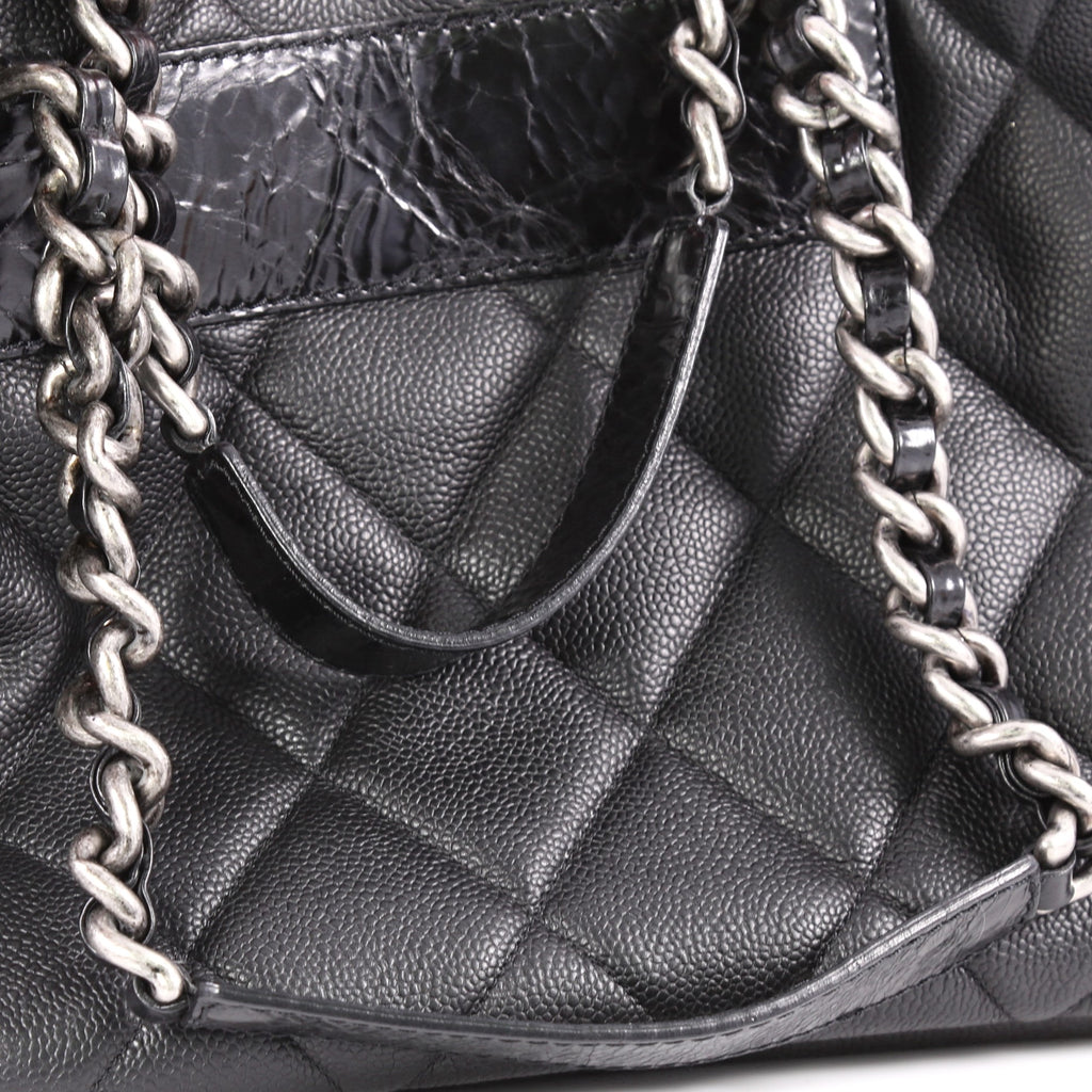21079db2900f Buy Chanel Coco Casual Tote Quilted Caviar Large Black 3176402 – Rebag