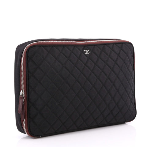 8c423bcd10a Buy Chanel Laptop Sleeve Quilted Nylon Black 3233702 – Rebag
