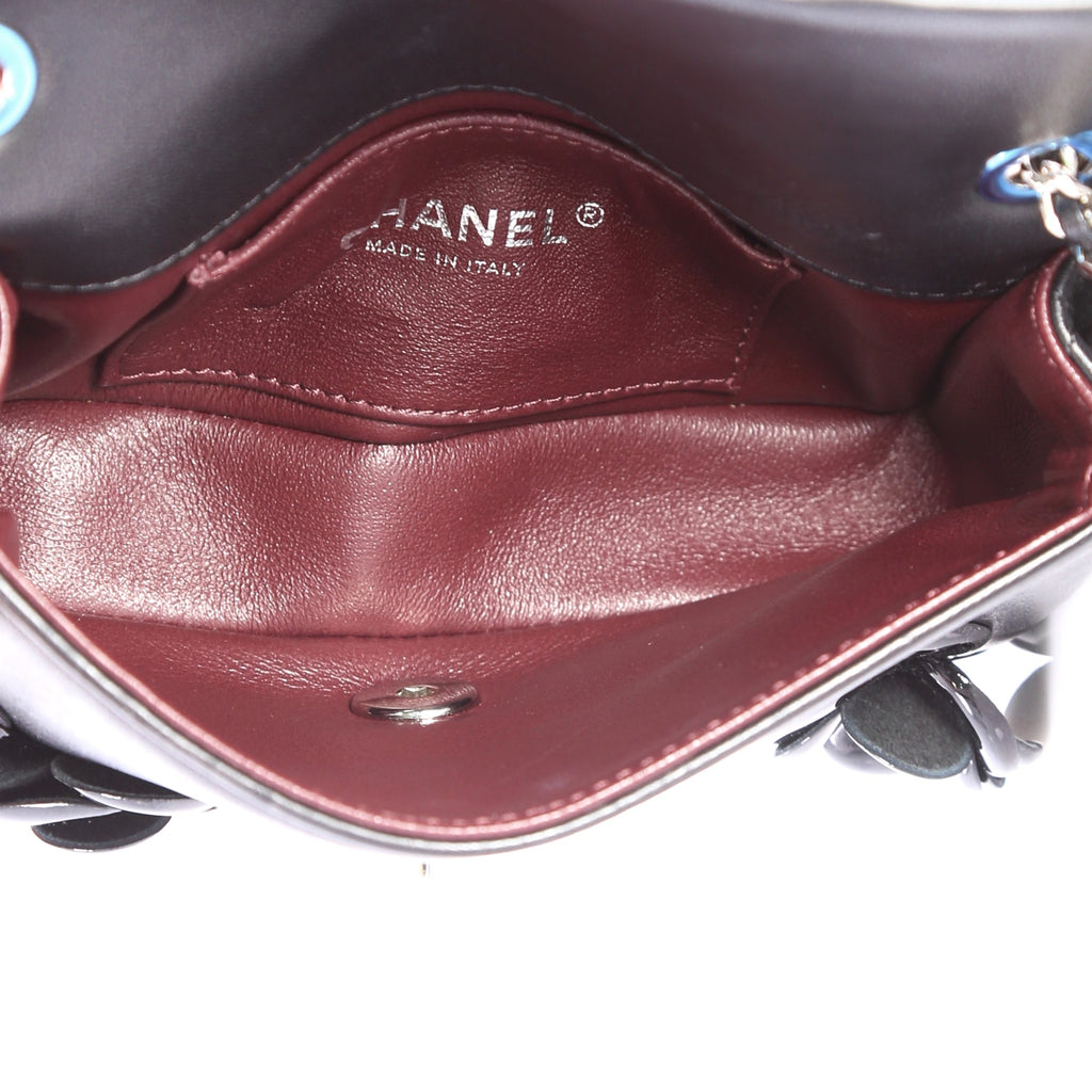 af52eea0985a Buy Chanel CC Camellia Flap Bag Patent and Leather 3287301 – Rebag