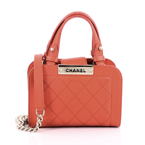 79f70526790cd Chanel Label Click Shopping Tote Quilted Calfskin Mini Red 3567707 – Rebag