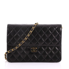 Chanel Model: Vintage Clutch with Chain Quilted Leather Medium Black 37118/29