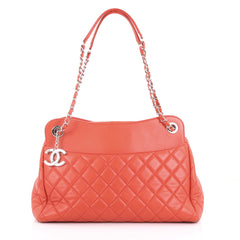 Chanel 7 Tote Quilted Lambskin Large Red 377921