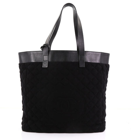 f27a2fb199b5 Chanel Reversible CC Tote Terry Cloth and Quilted Nylon 3844032 – Rebag