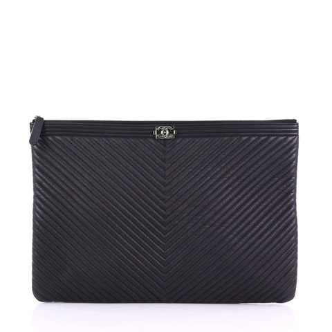9a234f12e433 Chanel Boy O Case Clutch Chevron Quilted Lambskin Large 3844099 – Rebag