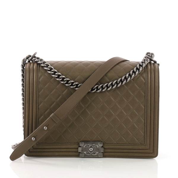 295fbe4fdbf5a7 Chanel Boy Flap Bag Quilted Lambskin Large Green 3940024 – Rebag