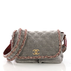 Chanel Parisian Stroll Messenger Bag Quilted Velvet Wool 3940048