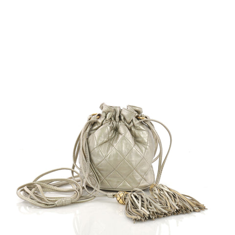 71711b1e70686 Chanel Vintage Drawstring Bucket Bag Quilted Lambskin Small 400431 – Rebag