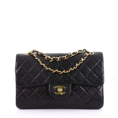 Chanel Model: Vintage Classic Double Flap Bag Quilted Lambskin Small Black 40568/125