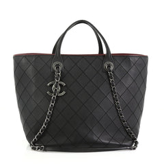 Chanel Model: CC Charm Chain Shopping Tote Quilted Calfskin Large Black 40598/01