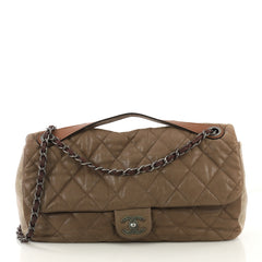 Chanel Model: In the Mix Flap Bag Quilted Iridescent Calfskin With Glazed Calfskin Jumbo Neutral 41464/2