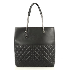 Chanel Urban Delight Chain Tote Quilted Lambskin Large Black 4372754