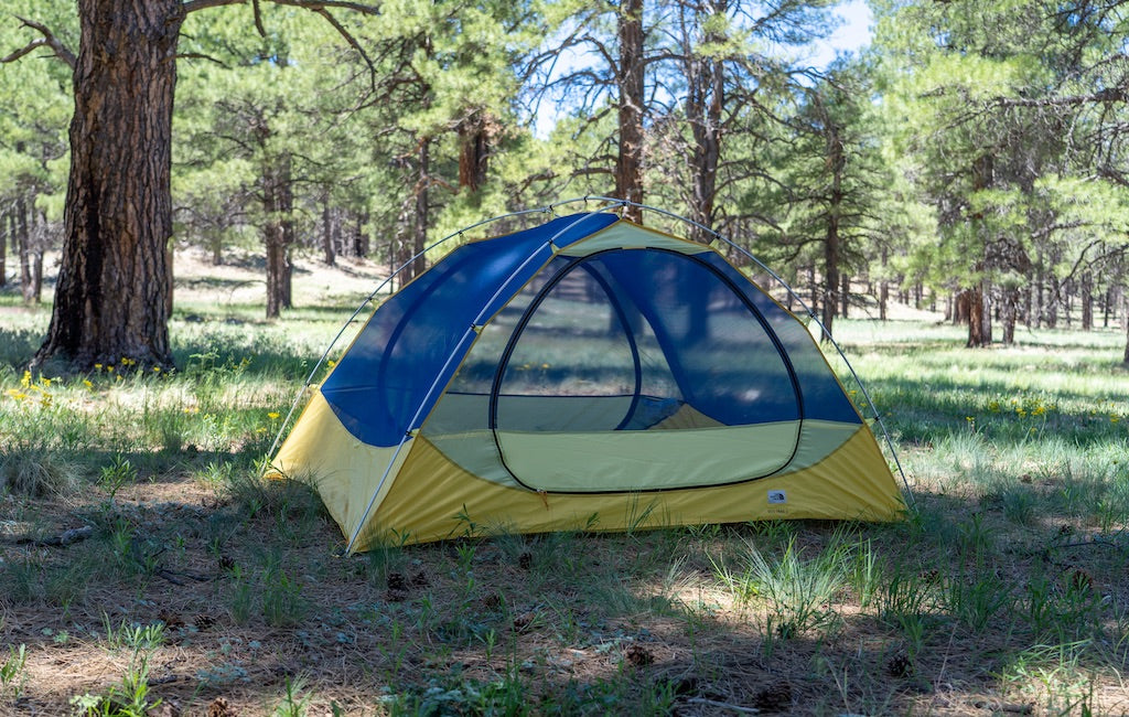 Double-wall 3 person tent without rainfly