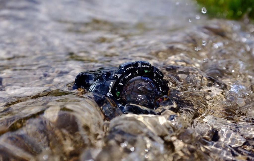 waterproof hiking watch