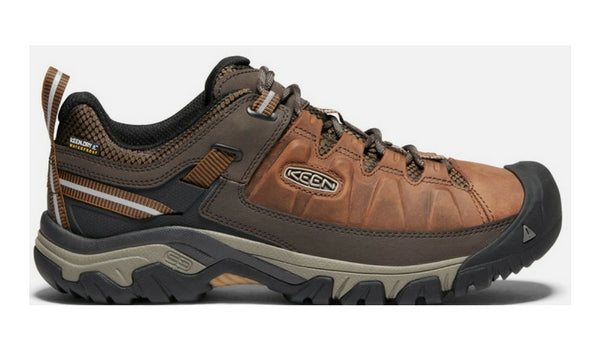15 Best Thru Hiking Shoes Trail Runners And Lightweight Boots Greenbelly Meals