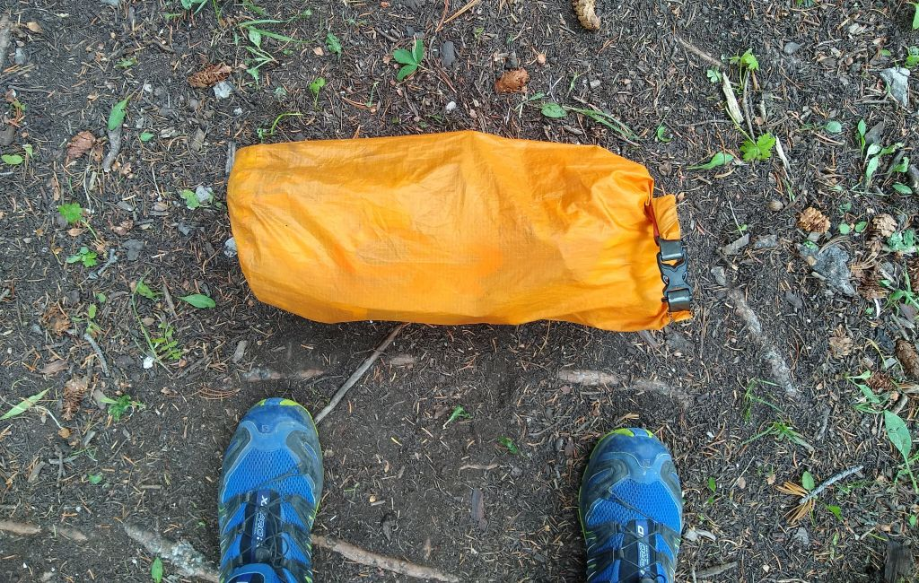 stuff sack filled with stoveless backpacking foods
