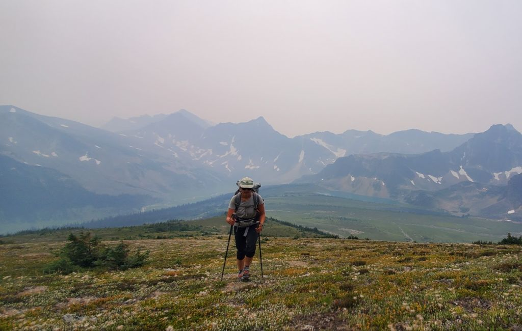thru-hiker on the great divide trail