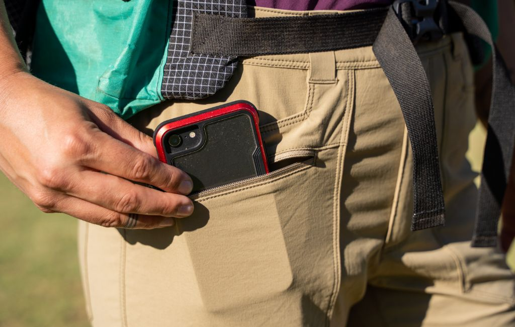 hiking pants with pockets