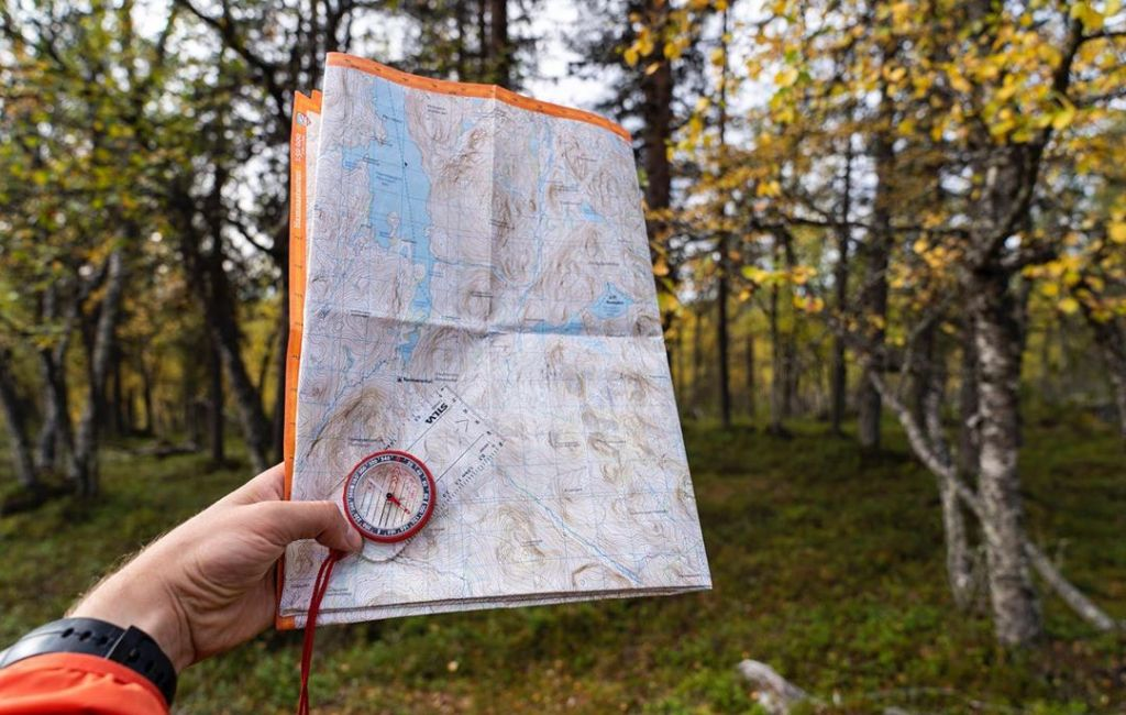 how to use a compass and a map tutorial