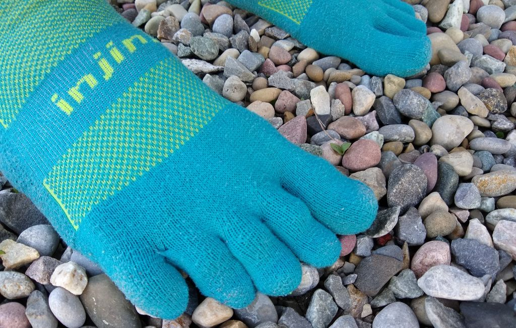 injinji hiking socks showing toe separation