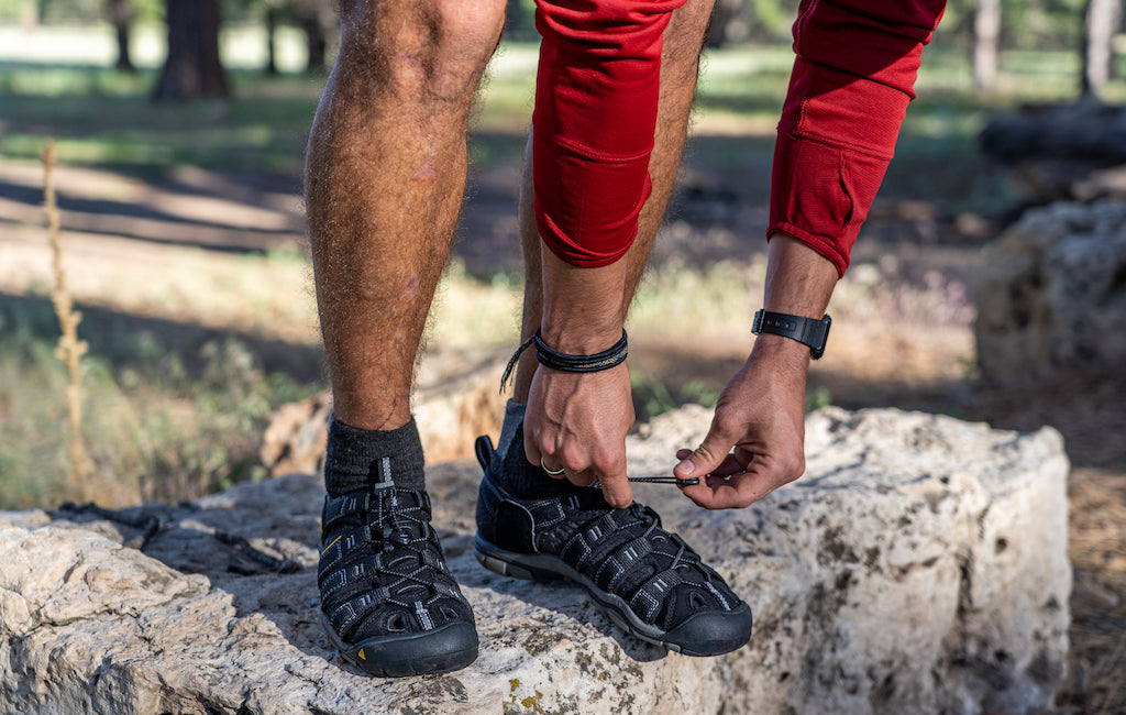 keen closed hiking sandals