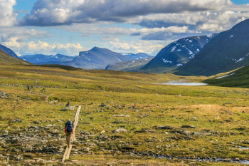 long distance hiking trails around the world