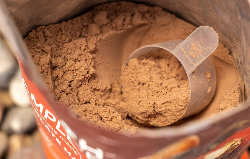 meal replacement powder with scoop