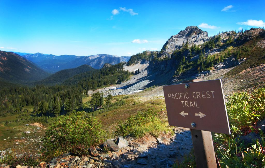 pacific crest trail section oregon sisters