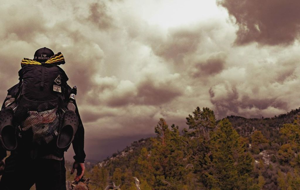 lightning safety outdoor tips for backpacking