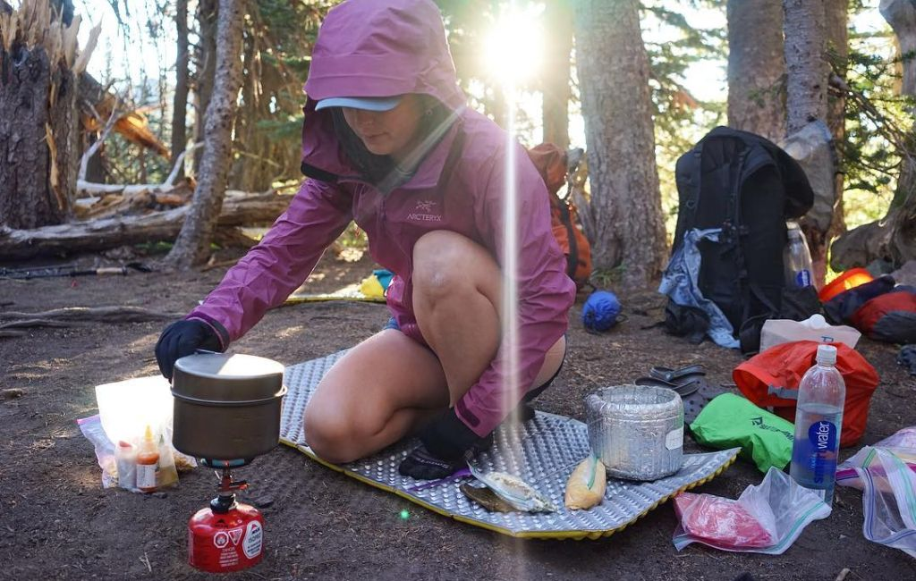 9 Best Ultralight Backpacking Cookware And Titanium Pots For 2021 Greenbelly Meals