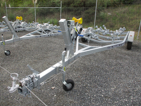 Boats 20 - 22ft / 6.1 - 6.7m : Premium Tandem Axle Boat Trailer, Model 695