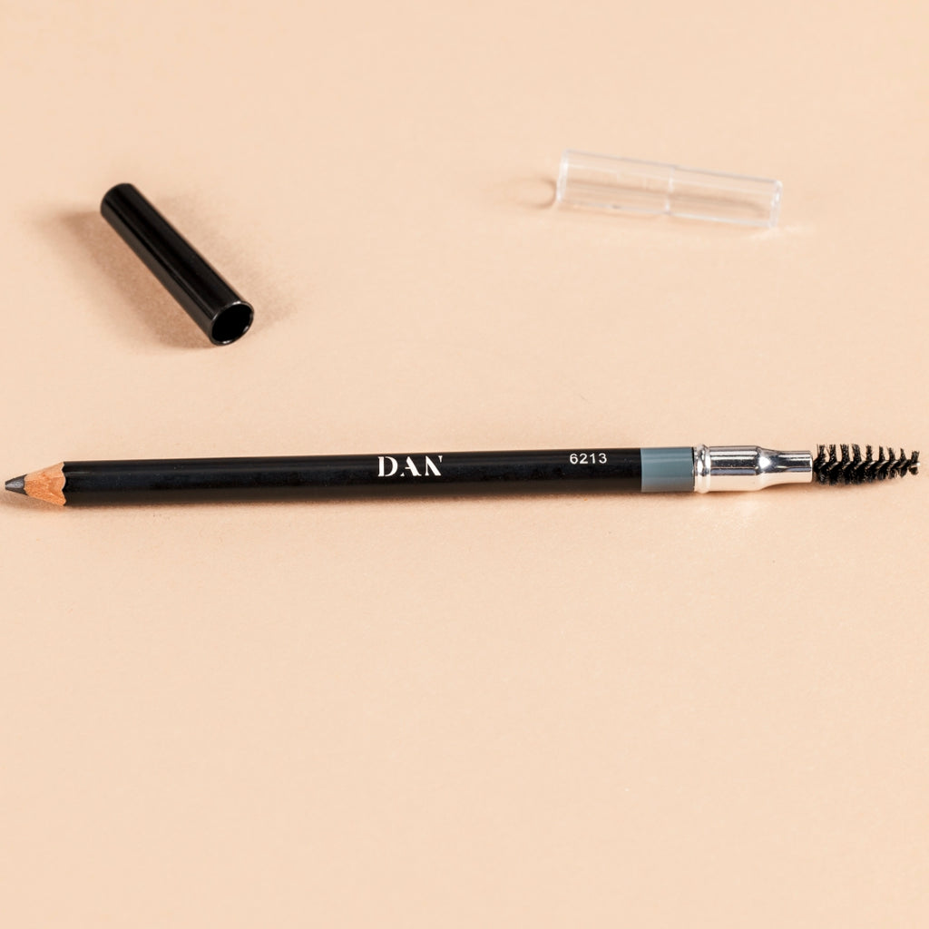 Long lasting, waterproof wooden brow pencil with spoolie.