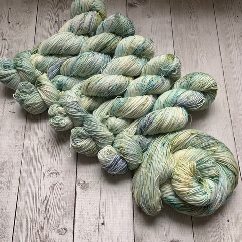 SOCK WEIGHT - English Garden™ Speckled Kettle Dyed - 463 yds RTS (020420)