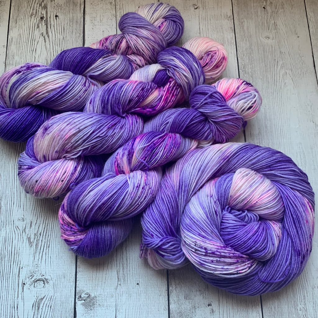 Twilight Snowfall ™ Kettle dyed speckled  Fing/sock (435 yds 3.5 oz) (225)
