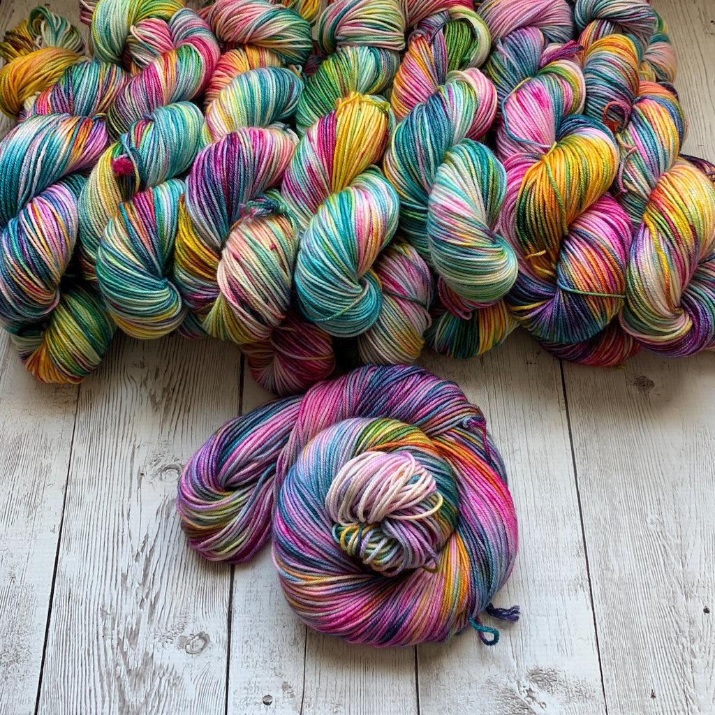 DANCING ON THE CEILING™ Kettle Dyed - DK - 274 yds RTS (427)