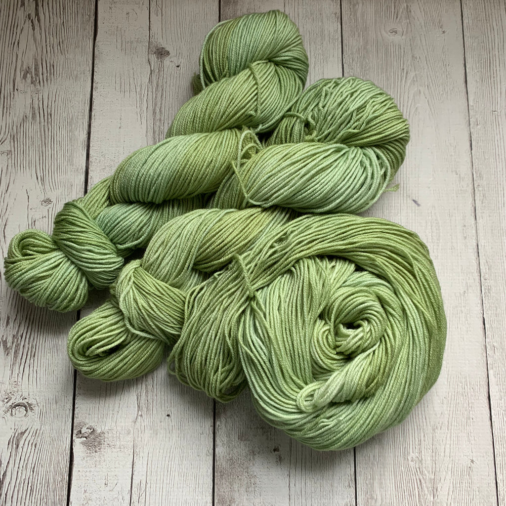 CELERY™ -  Semi-Solid Kettle Dyed DK - 274 yds 3.5 oz RTS (809)