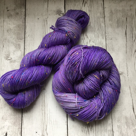 LILAC Tonal -   semi-solid kettle dyed  - Fing/Sock Donegal  438  yds RTS (903)